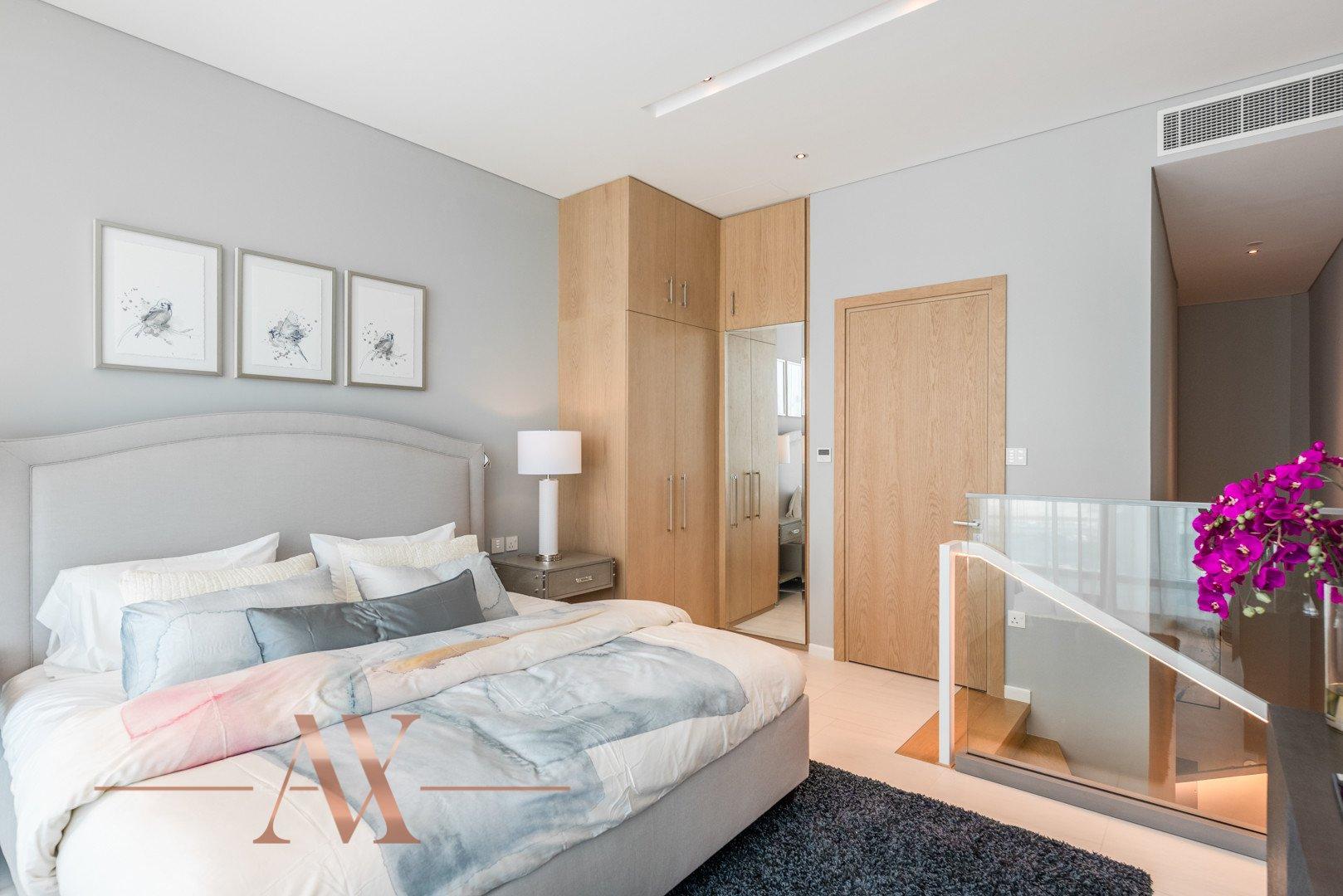 Apartment for sale in Dubai, UAE, 1 bedroom, 104.5 m2, No. 23733 – photo 7