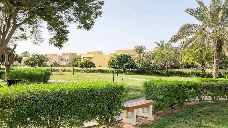 Villa for sale in Dubai, UAE, 5 bedrooms, 552 m2, No. 24052 – photo 4