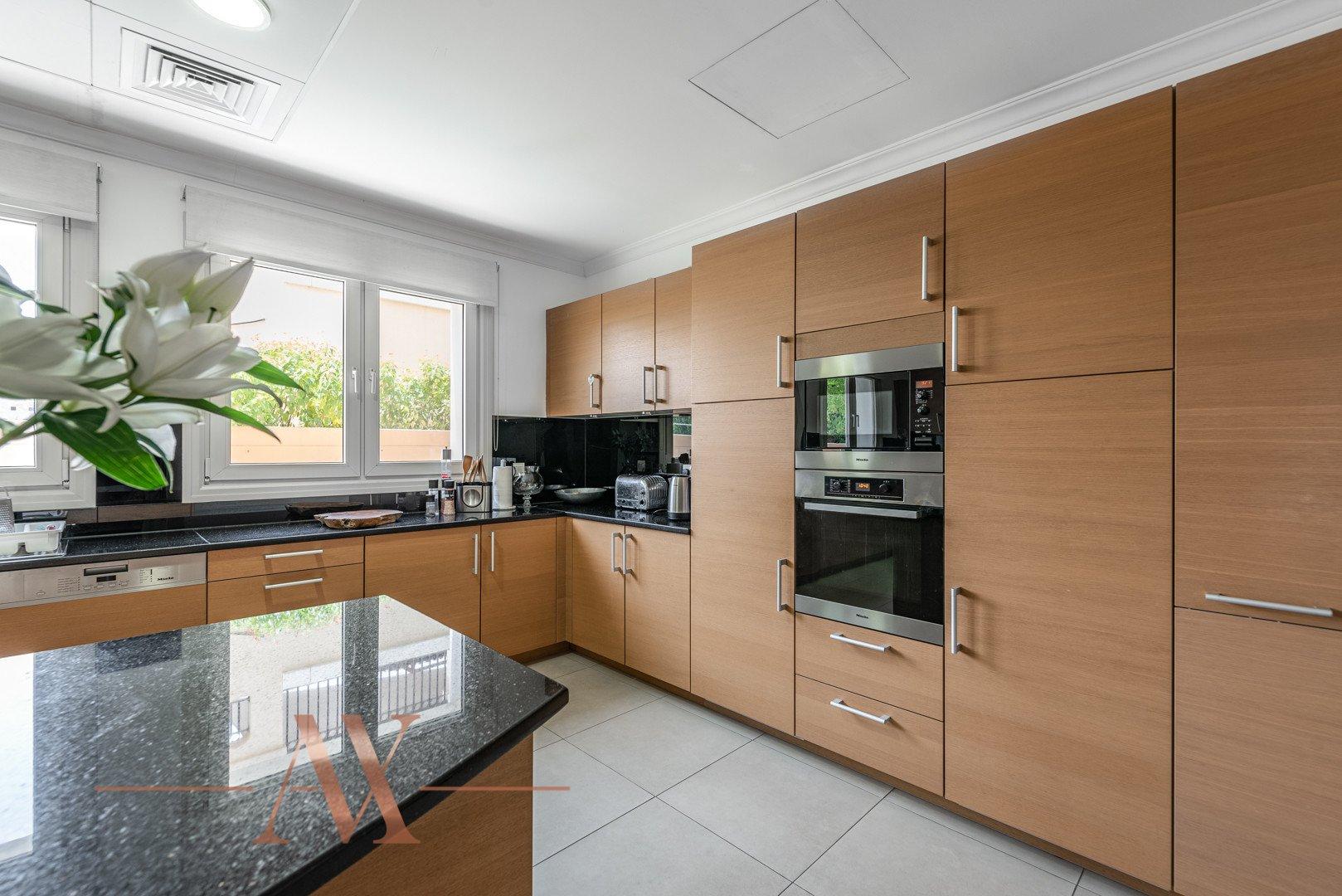 Villa for sale in Dubai, UAE, 6 bedrooms, 1049.3 m2, No. 23715 – photo 8