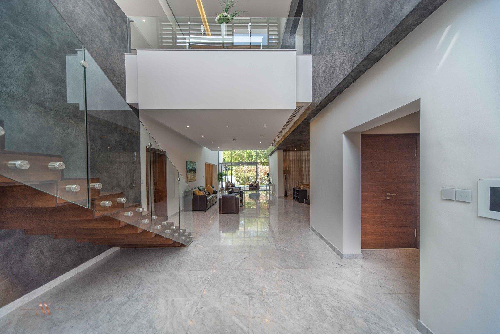 Villa for sale in Dubai, UAE, 5 bedrooms, 733.9 m2, No. 23505 – photo 1