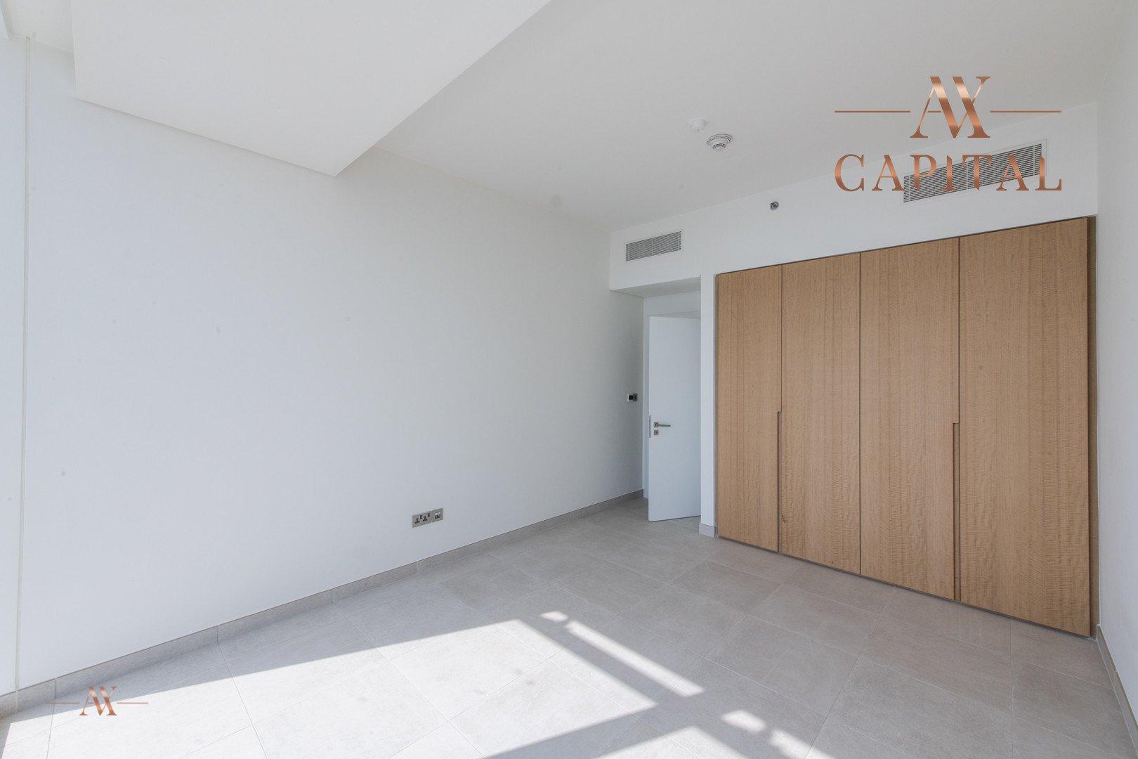 Apartment for sale in Dubai, UAE, 3 bedrooms, 244.3 m2, No. 23621 – photo 11