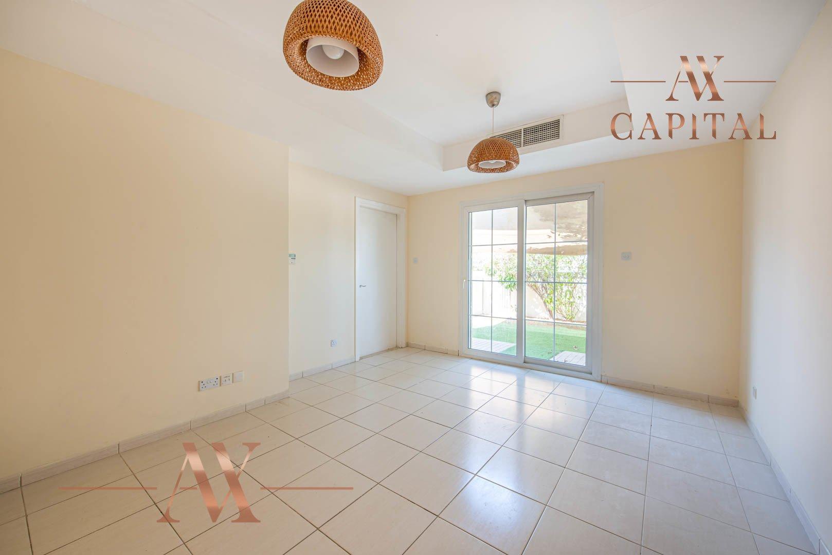 Villa for sale in Dubai, UAE, 2 bedrooms, 175.5 m2, No. 23752 – photo 1