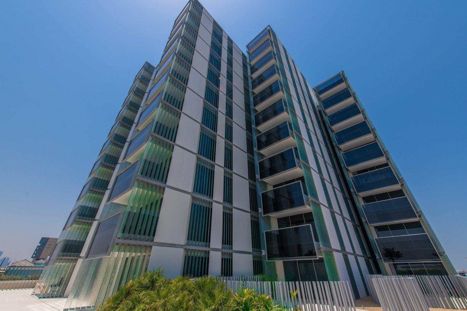 Apartment for sale in Dubai, UAE, 3 bedrooms, 221.7 m2, No. 23601 – photo 2