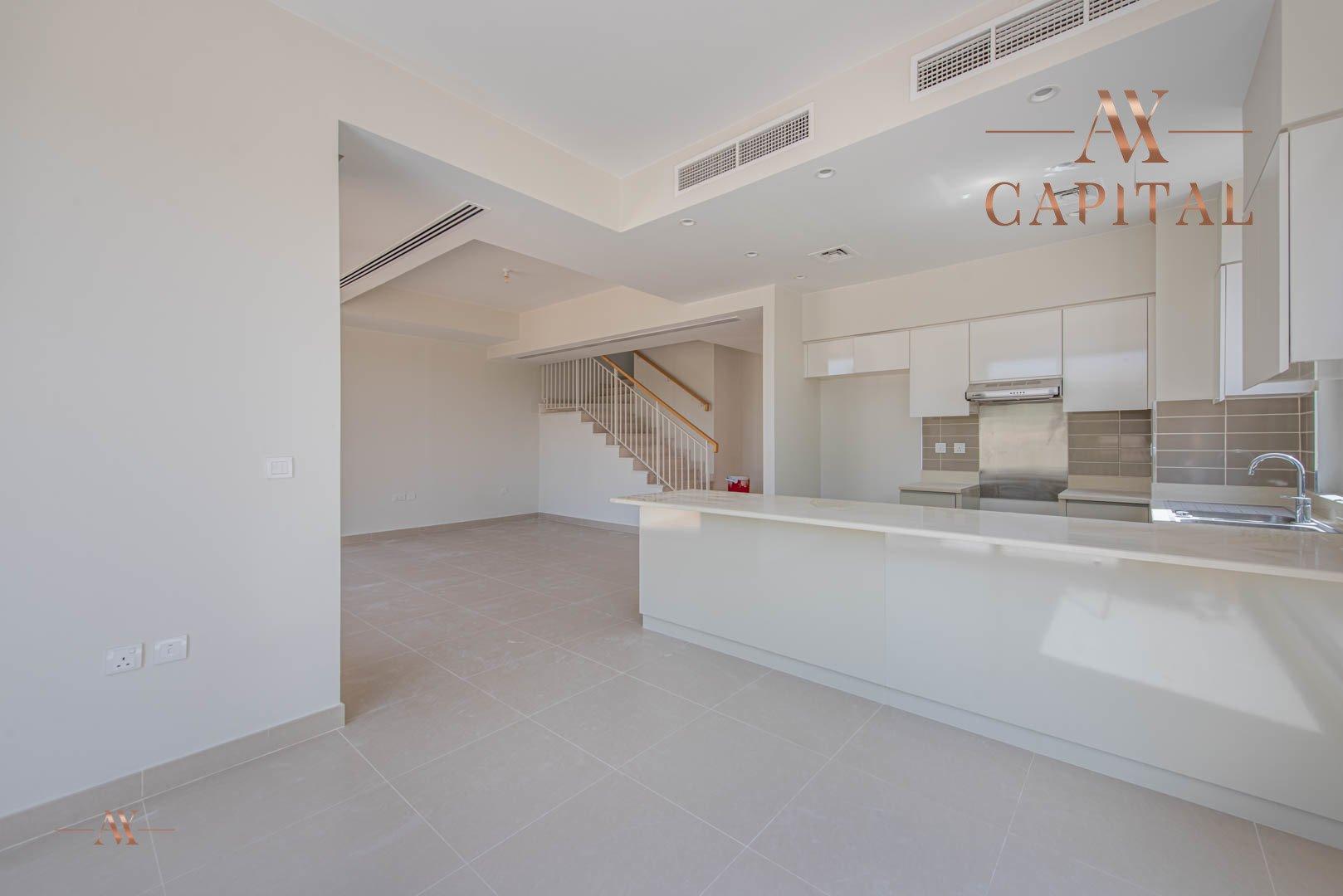 Villa for sale in Dubai, UAE, 4 bedrooms, 288.1 m2, No. 23607 – photo 1