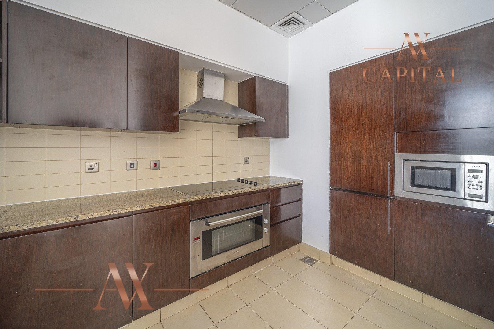 Apartment for sale in Dubai, UAE, 2 bedrooms, 155 m2, No. 23704 – photo 9