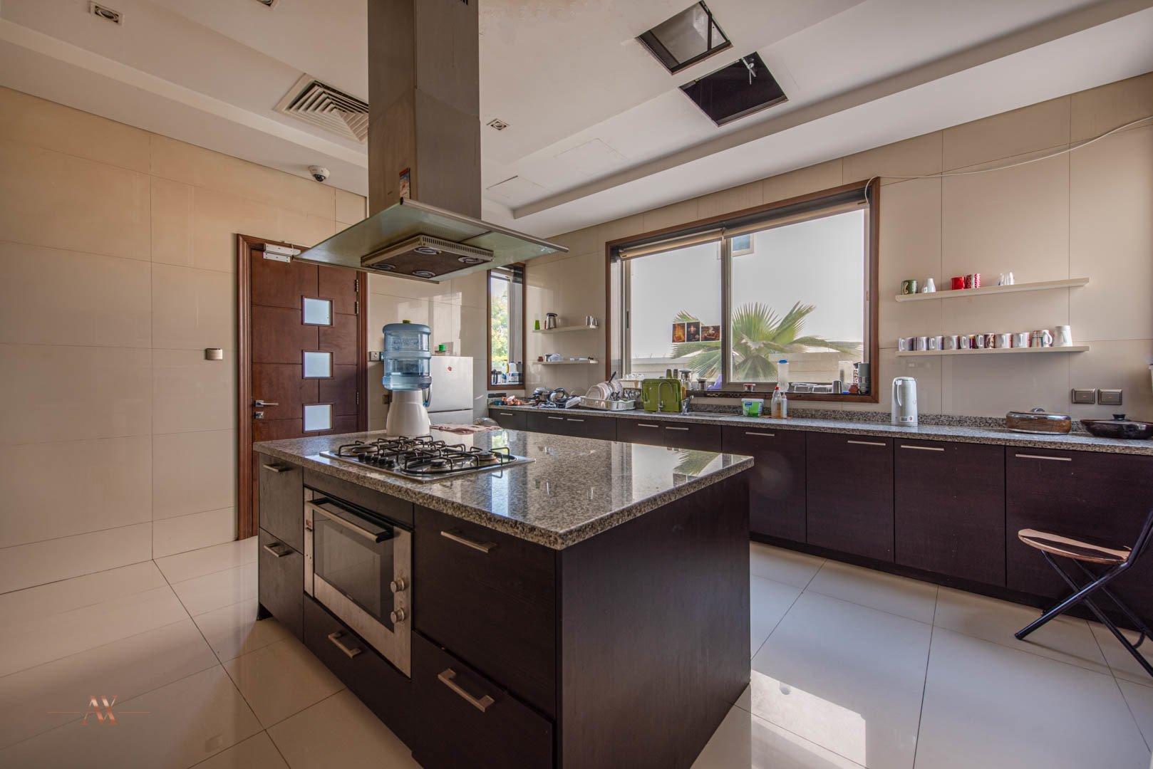 Villa for sale in Dubai, UAE, 6 bedrooms, 1114.8 m2, No. 23622 – photo 7