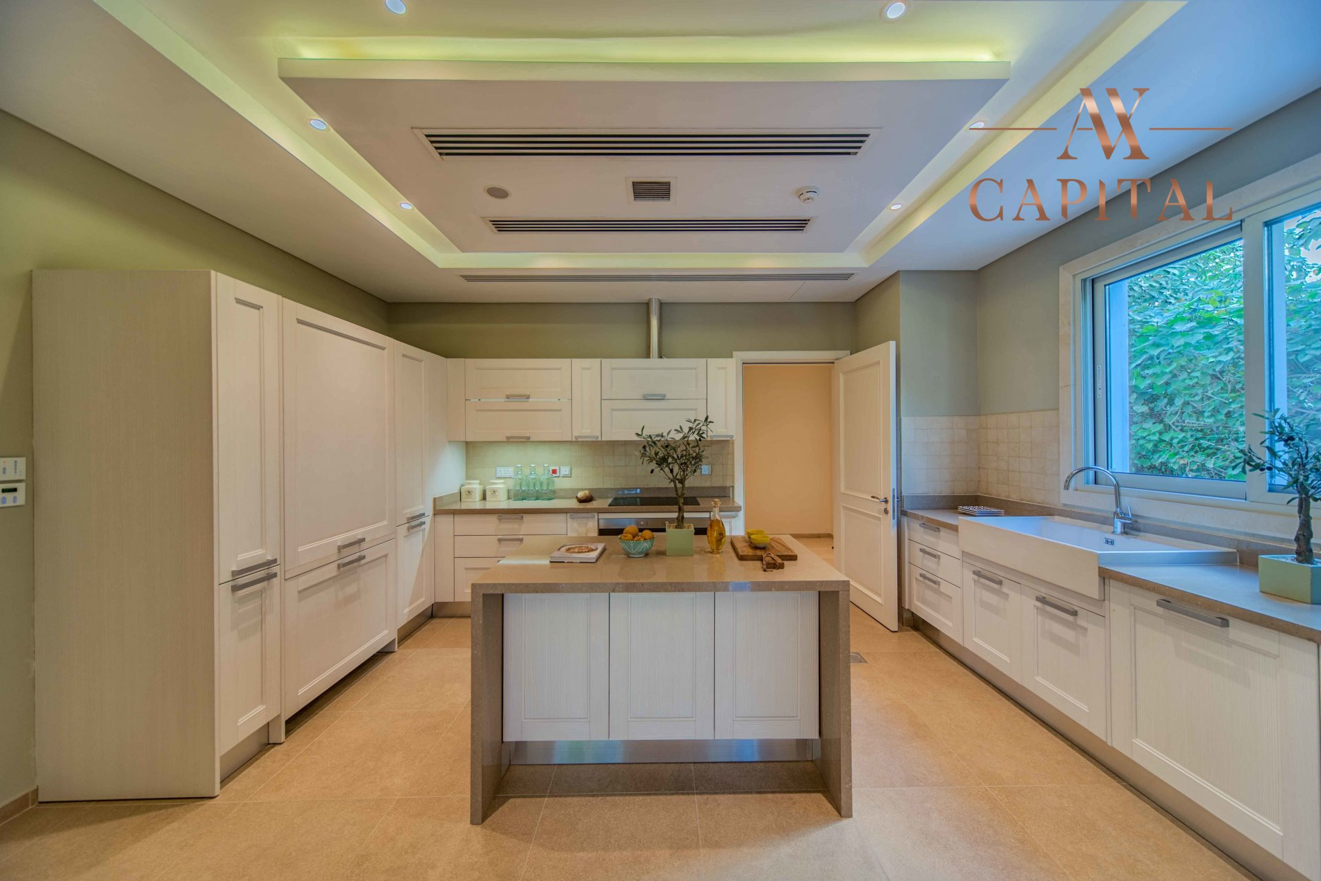 Villa for sale in Dubai, UAE, 4 bedrooms, 799 m2, No. 23748 – photo 7