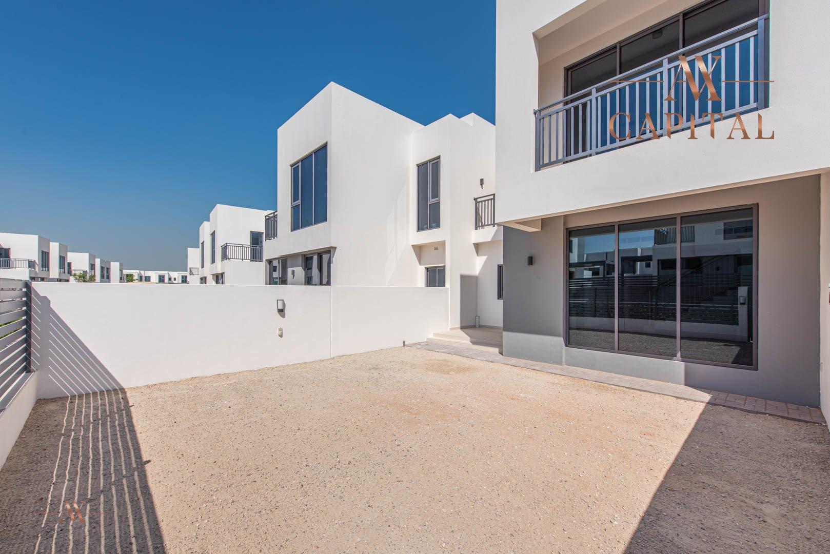Villa for sale in Dubai, UAE, 3 bedrooms, 207 m2, No. 23555 – photo 2