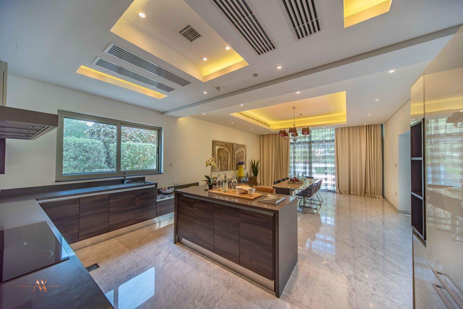 Villa for sale in Dubai, UAE, 5 bedrooms, 733.9 m2, No. 23505 – photo 8