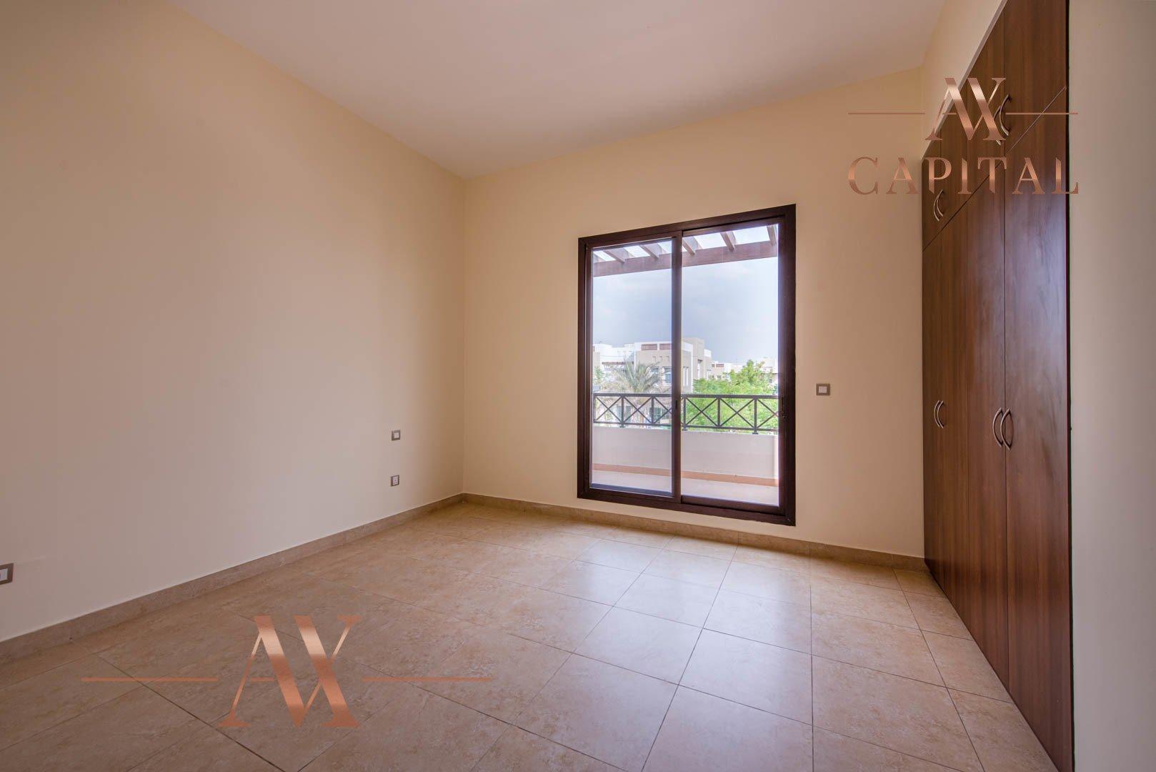 Villa for sale in Dubai, UAE, 4 bedrooms, 373.7 m2, No. 23687 – photo 10