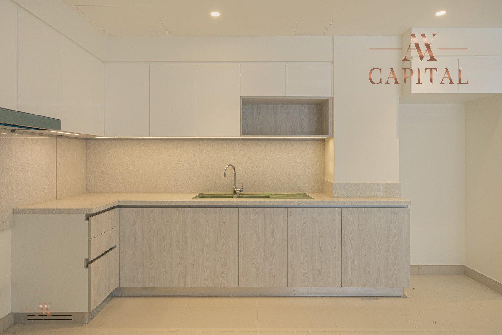 Apartment for sale in Dubai, UAE, 3 bedrooms, 125.8 m2, No. 23643 – photo 13