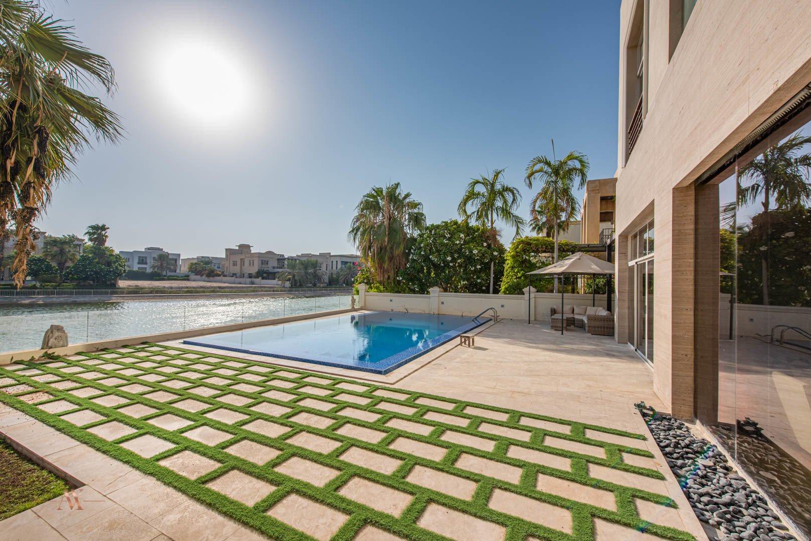 Villa for sale in Dubai, UAE, 6 bedrooms, 1114.8 m2, No. 23622 – photo 3