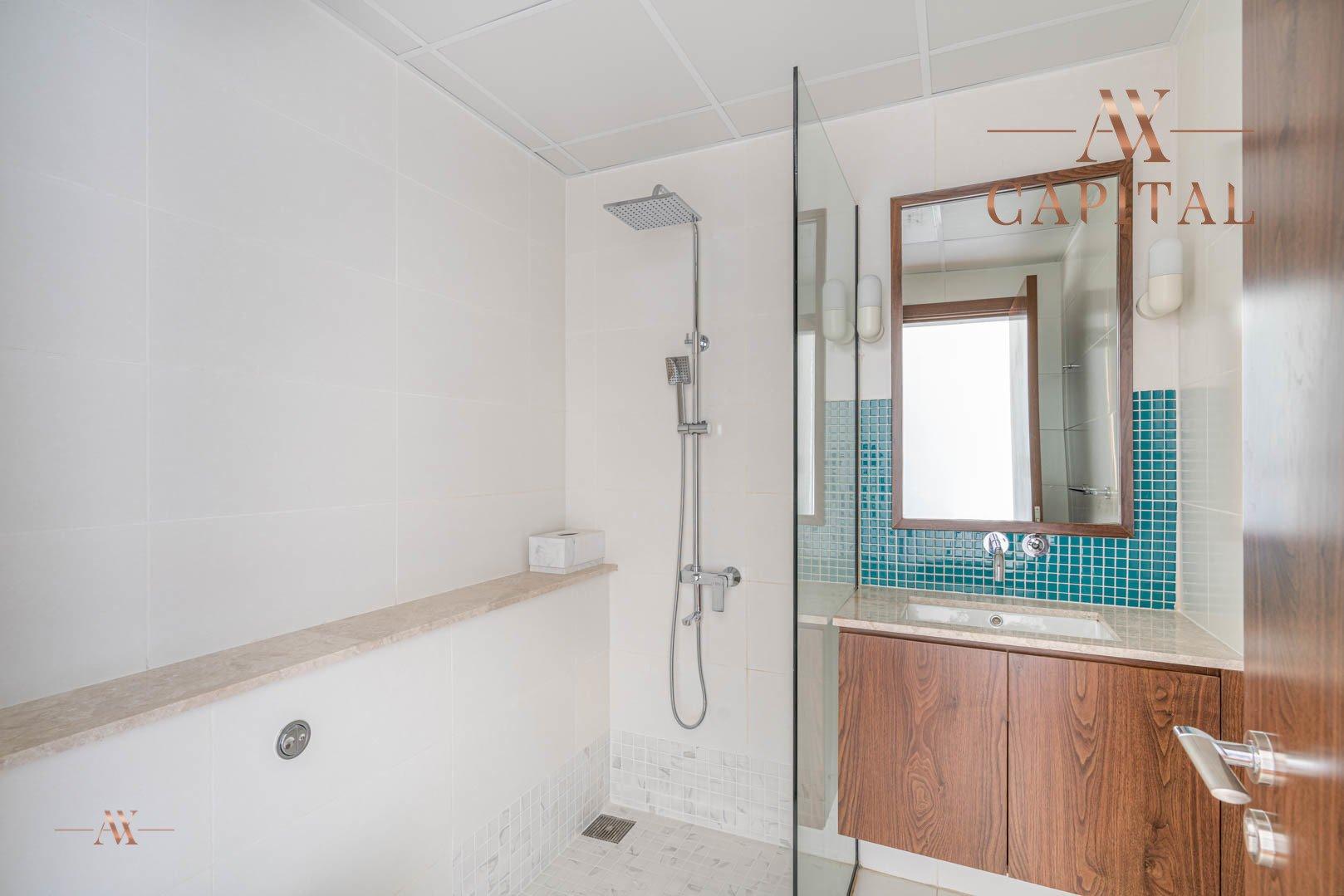 Apartment for sale in Dubai, UAE, 1 bedroom, 174.9 m2, No. 23593 – photo 2