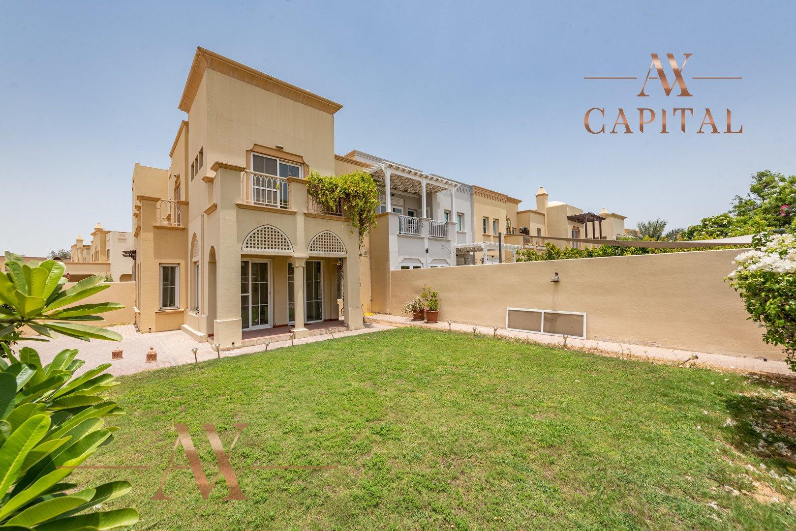 Villa for sale in Dubai, UAE, 3 bedrooms, 254 m2, No. 23745 – photo 1