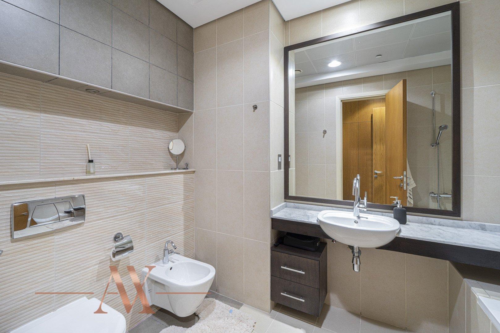 Apartment for sale in Dubai, UAE, 2 bedrooms, 206 m2, No. 23806 – photo 8