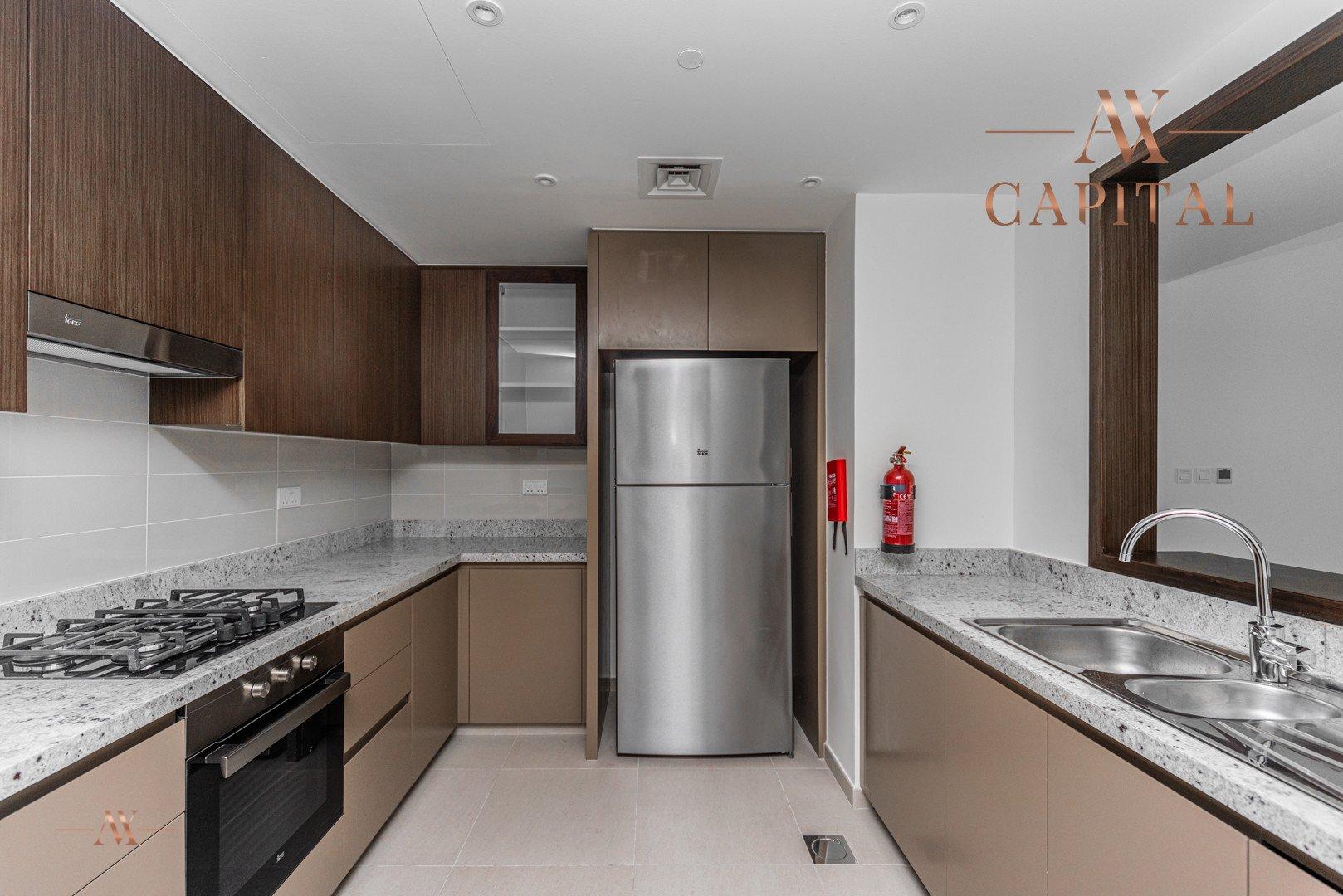 Apartment for sale in Dubai, UAE, 2 bedrooms, 151.5 m2, No. 23588 – photo 12