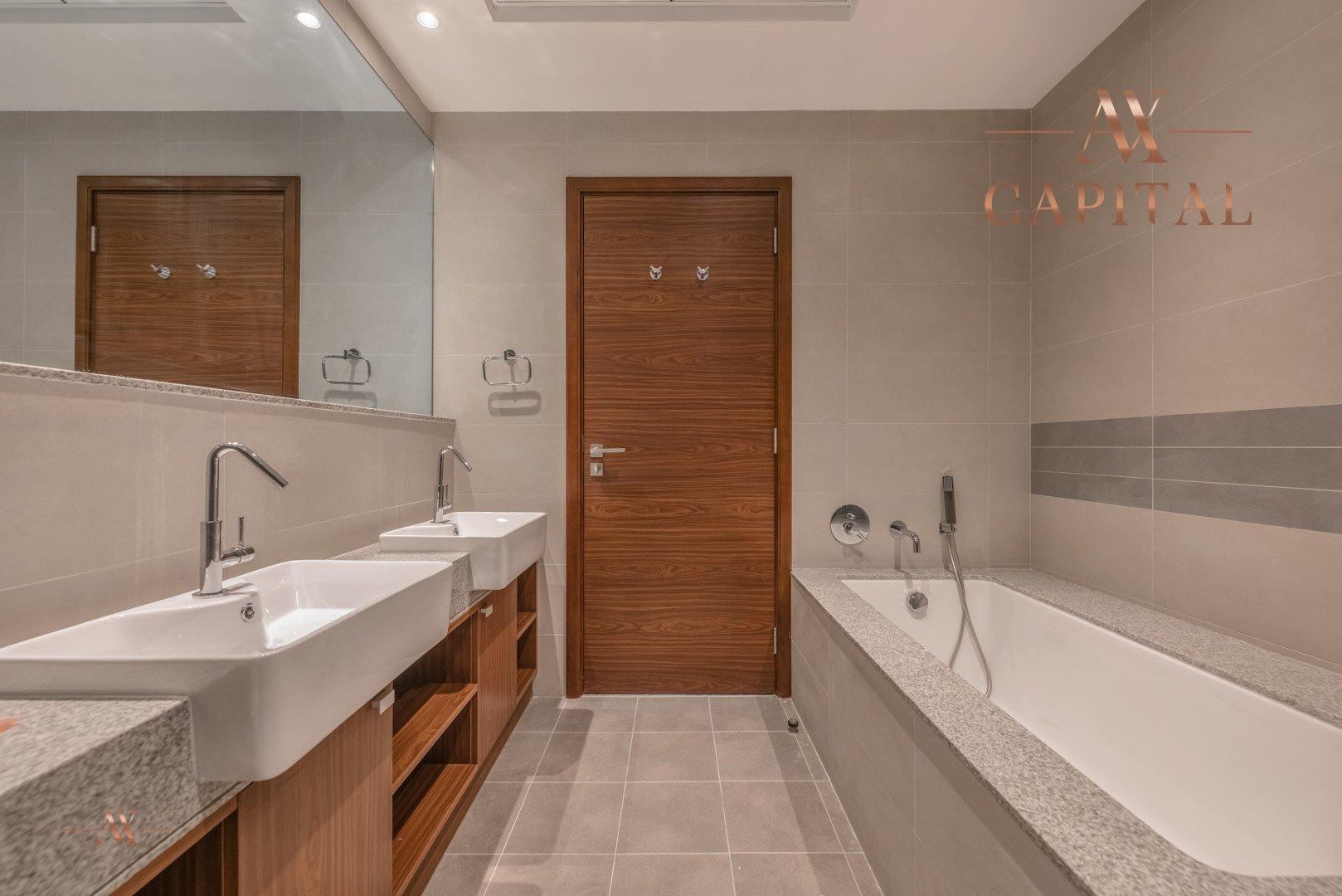 Apartment for sale in Dubai, UAE, 2 bedrooms, 131.7 m2, No. 23557 – photo 4