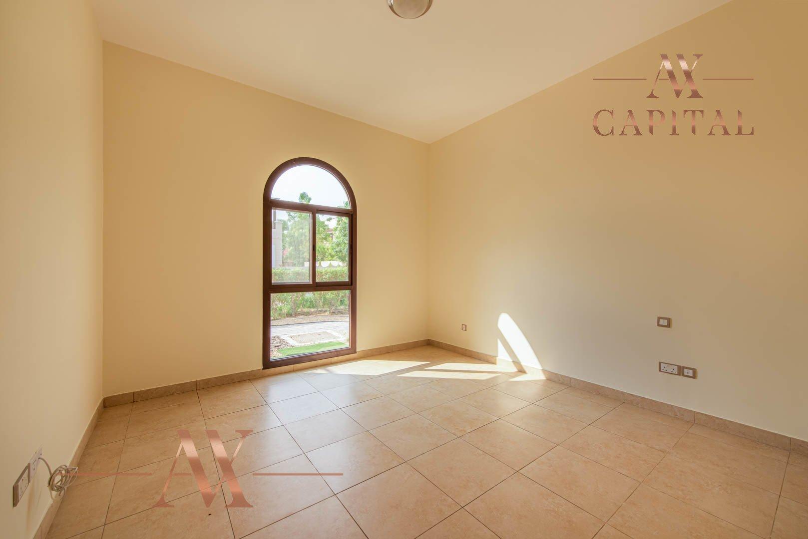 Villa for sale in Dubai, UAE, 4 bedrooms, 373.7 m2, No. 23687 – photo 16