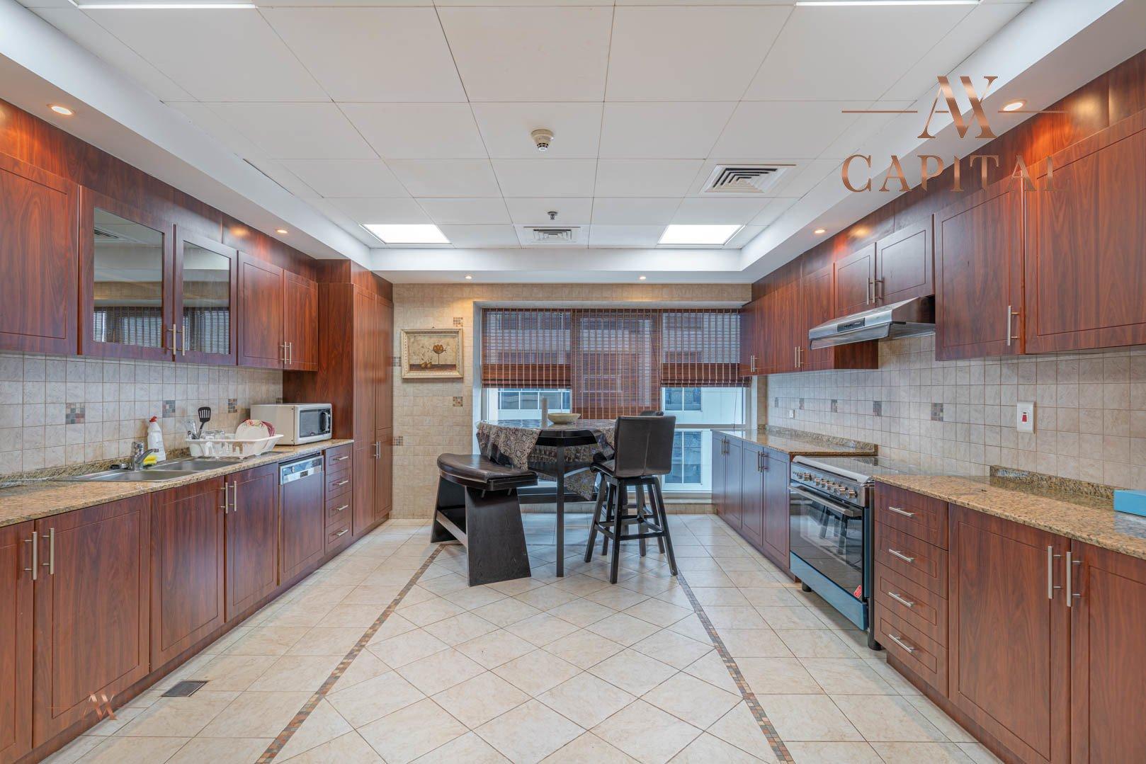 Apartment for sale in Dubai, UAE, 3 bedrooms, 330.1 m2, No. 23627 – photo 8