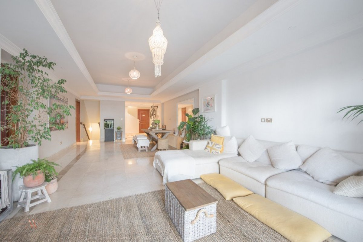 Townhouse for sale in Dubai, UAE, 3 bedrooms, 483.1 m2, No. 23563 – photo 16