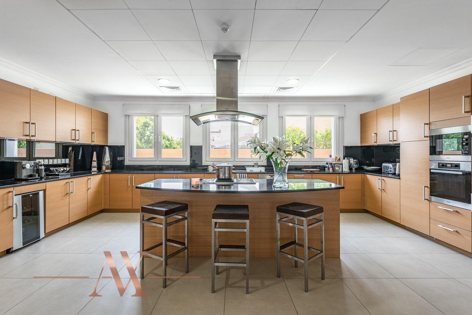 Villa for sale in Dubai, UAE, 6 bedrooms, 1049.3 m2, No. 23715 – photo 7
