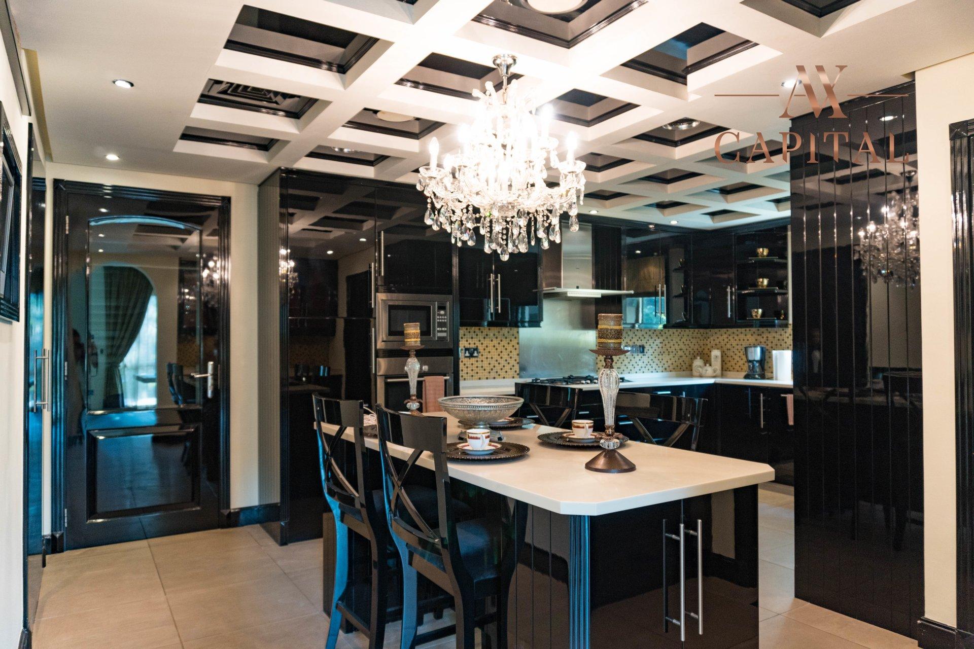 Villa for sale in Dubai, UAE, 4 bedrooms, 1001.7 m2, No. 23559 – photo 17