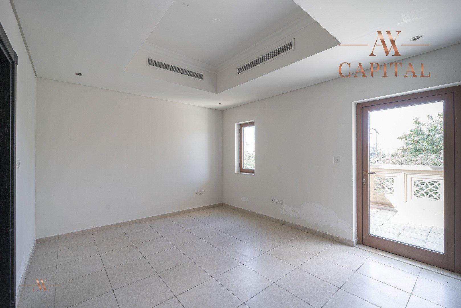 Villa for sale in Dubai, UAE, 5 bedrooms, 611.9 m2, No. 23654 – photo 13