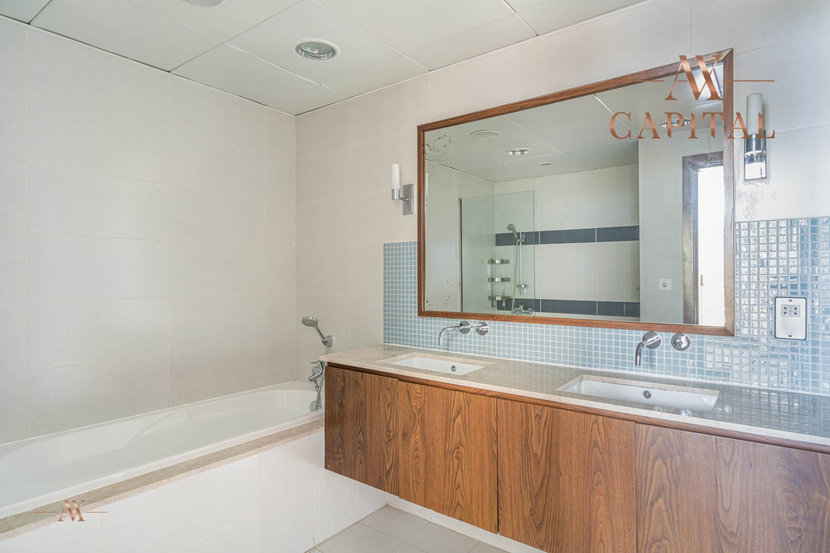 Apartment for sale in Dubai, UAE, 1 bedroom, 174.9 m2, No. 23593 – photo 6