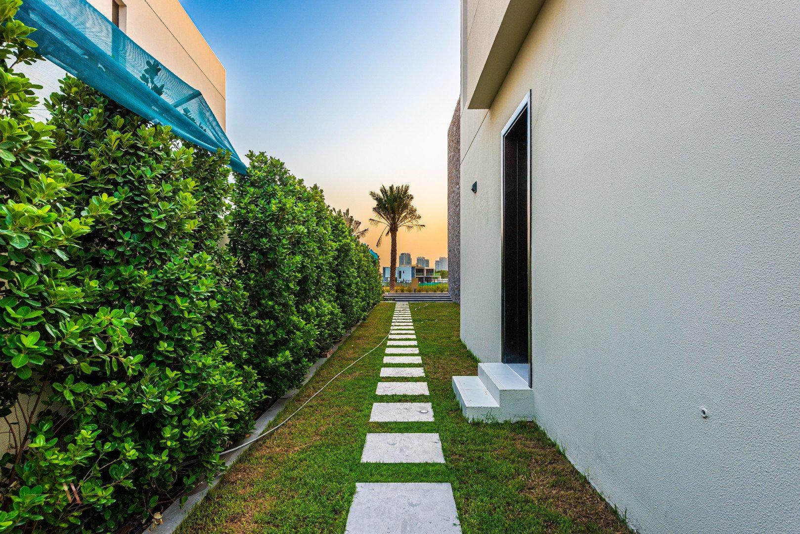 Villa for sale in Dubai, UAE, 6 bedrooms, 761.8 m2, No. 23503 – photo 3