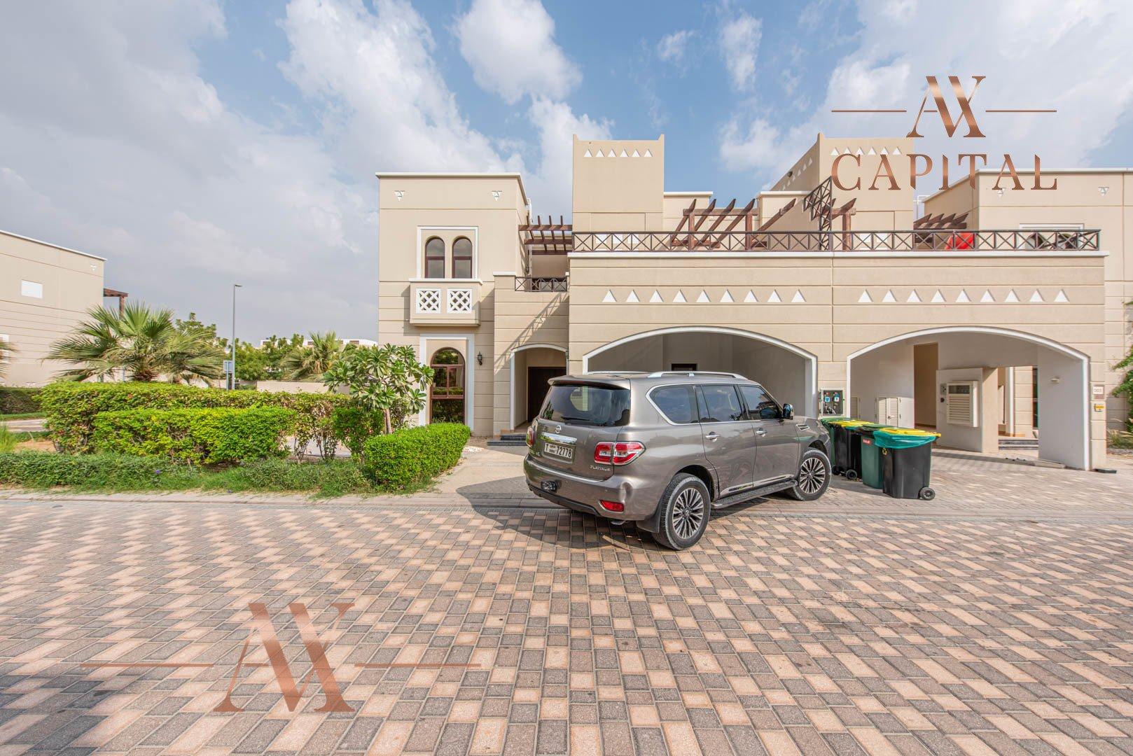 Villa for sale in Dubai, UAE, 4 bedrooms, 373.7 m2, No. 23687 – photo 2