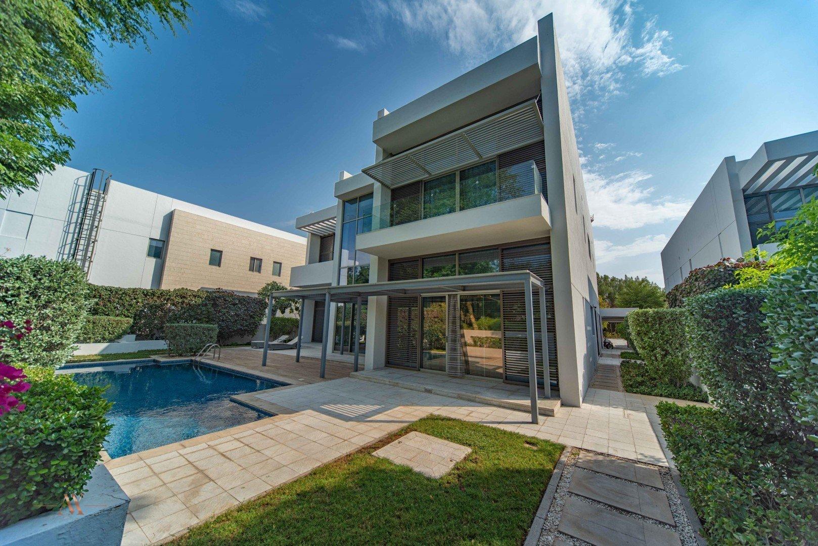 Villa for sale in Dubai, UAE, 5 bedrooms, 733.9 m2, No. 23505 – photo 2