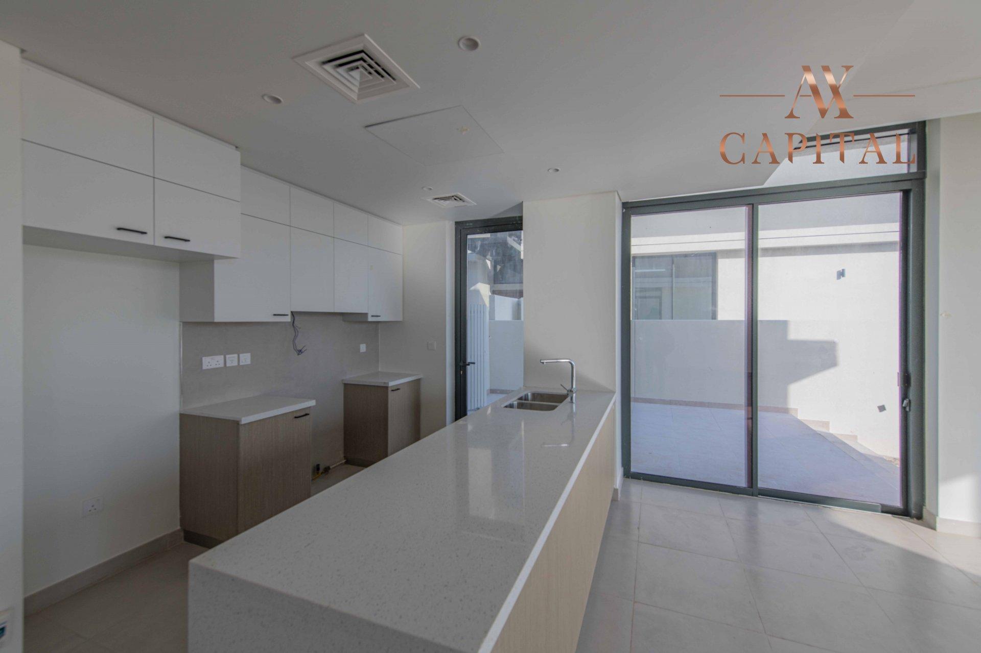 Villa for sale in Dubai, UAE, 4 bedrooms, 312.4 m2, No. 23736 – photo 8