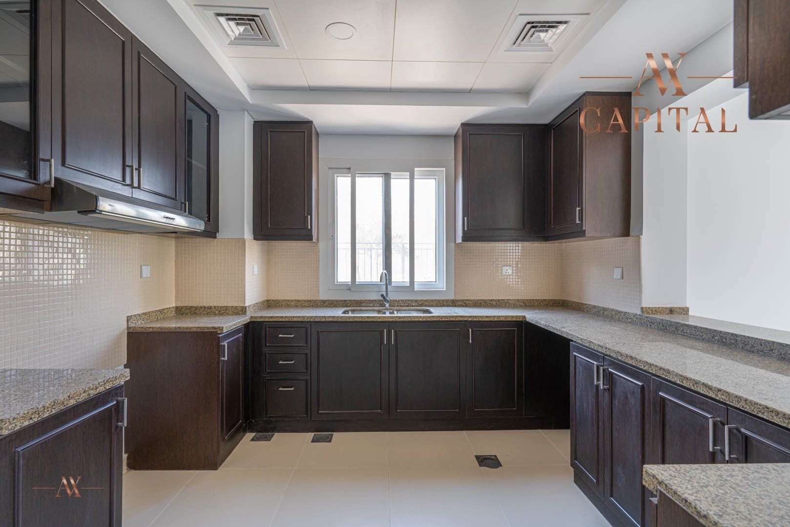 Villa for sale in Dubai, UAE, 3 bedrooms, 283.7 m2, No. 23632 – photo 3