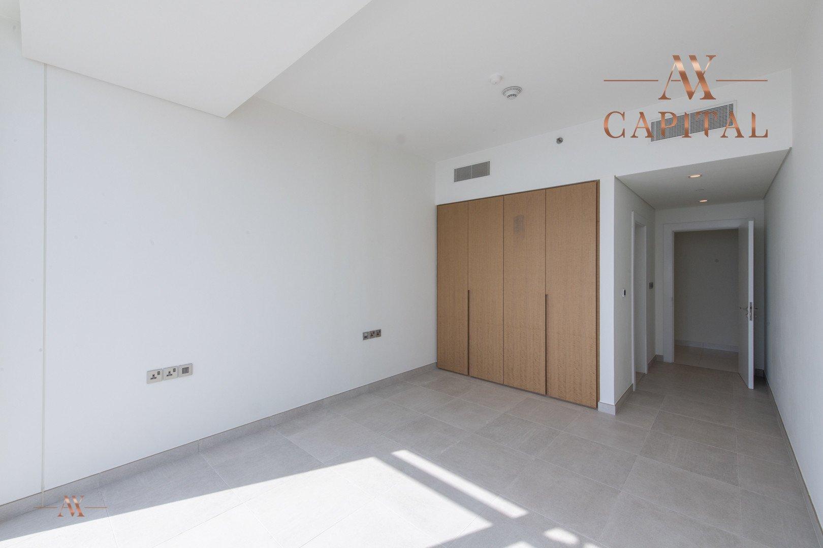 Apartment for sale in Dubai, UAE, 3 bedrooms, 244.3 m2, No. 23621 – photo 9