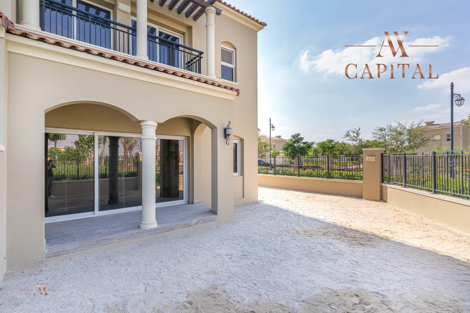 Villa for sale in Dubai, UAE, 3 bedrooms, 283.7 m2, No. 23632 – photo 1