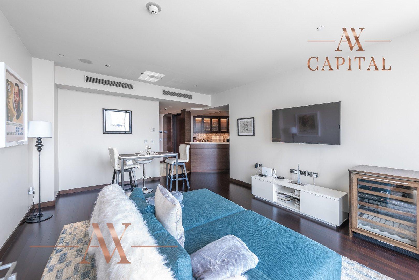 Apartment for sale in Dubai, UAE, 1 bedroom, 101.8 m2, No. 23808 – photo 9