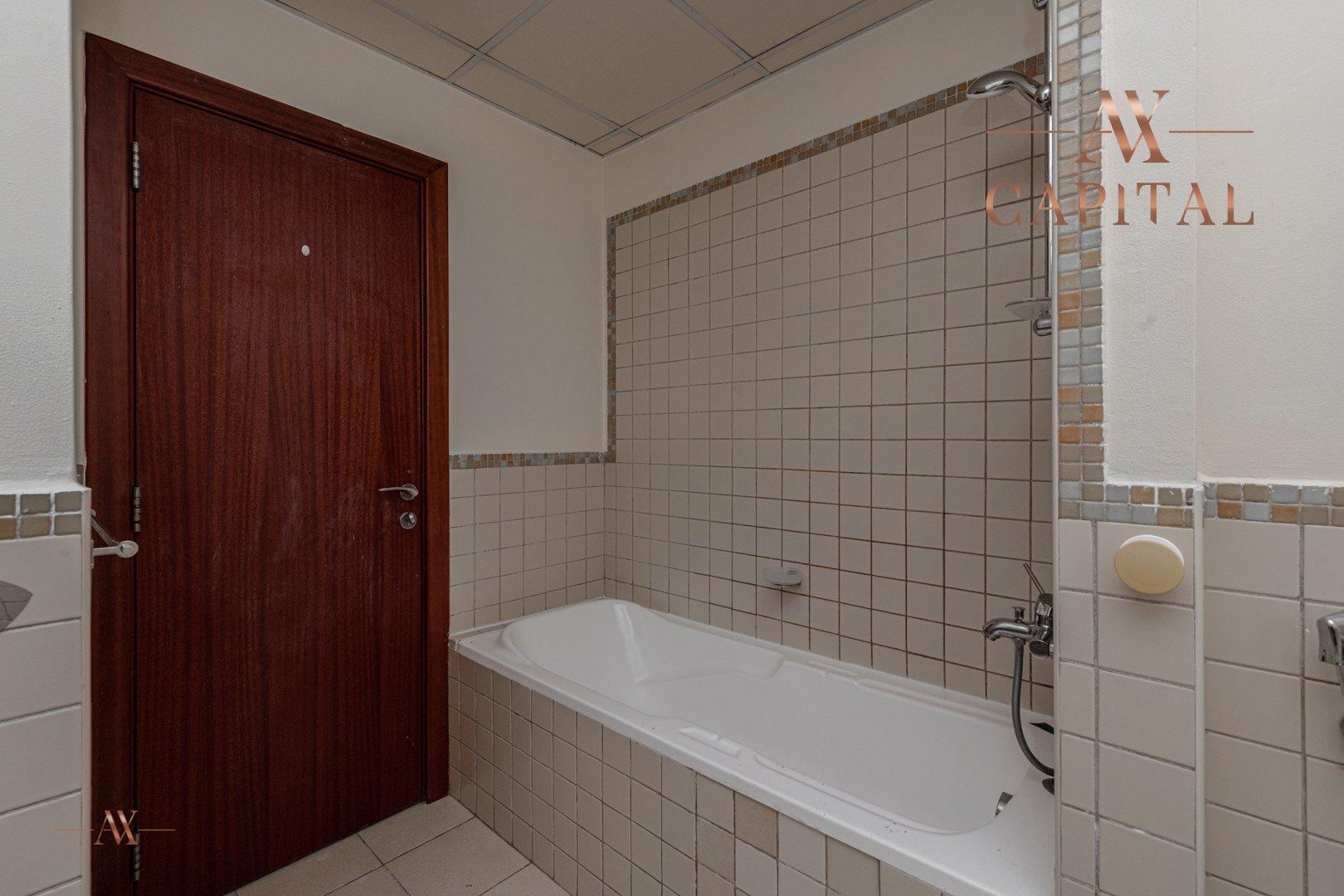 Apartment for sale in Dubai, UAE, 3 bedrooms, 174.8 m2, No. 23516 – photo 10