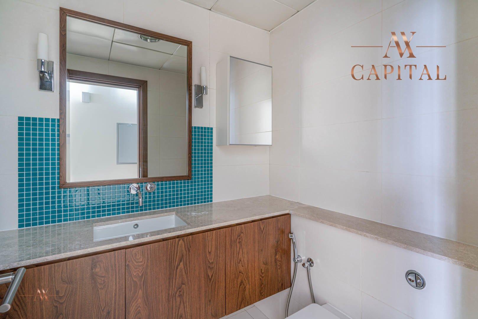 Apartment for sale in Dubai, UAE, 1 bedroom, 174.9 m2, No. 23593 – photo 3