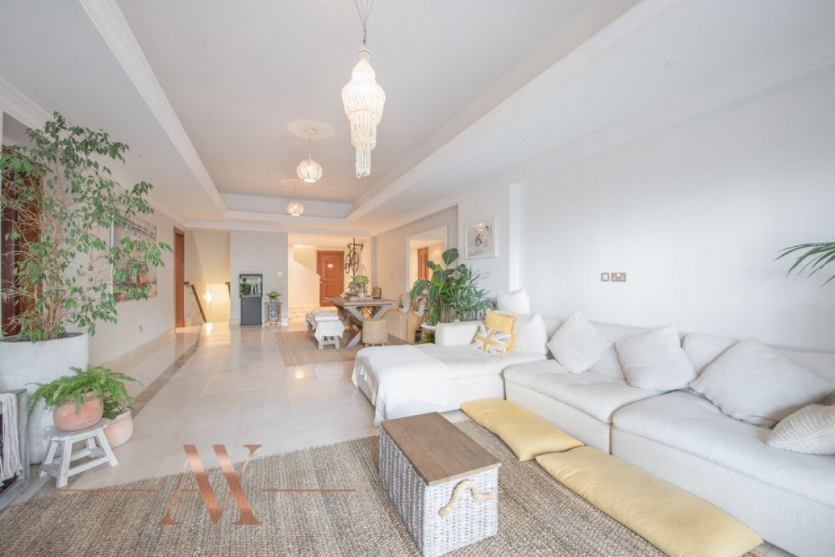 Townhouse for sale in Dubai, UAE, 3 bedrooms, 483.1 m2, No. 23709 – photo 16