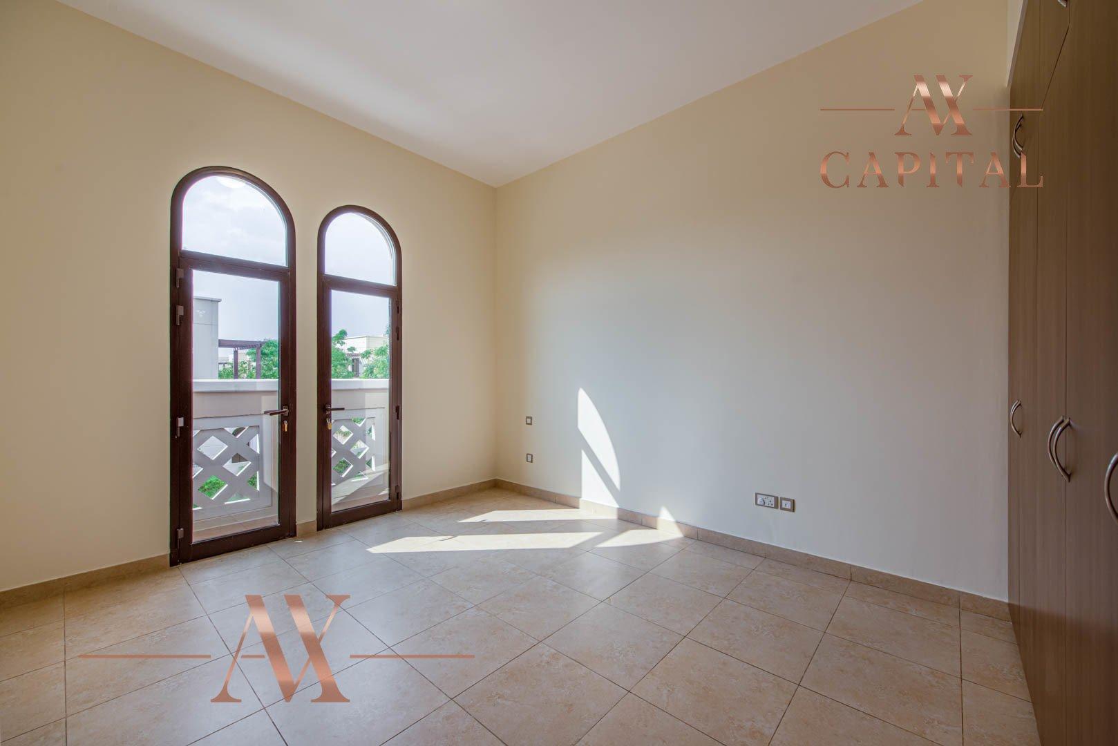 Villa for sale in Dubai, UAE, 4 bedrooms, 373.7 m2, No. 23687 – photo 9