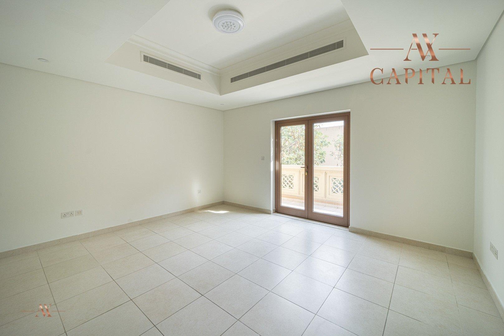 Villa for sale in Dubai, UAE, 5 bedrooms, 611.9 m2, No. 23654 – photo 19
