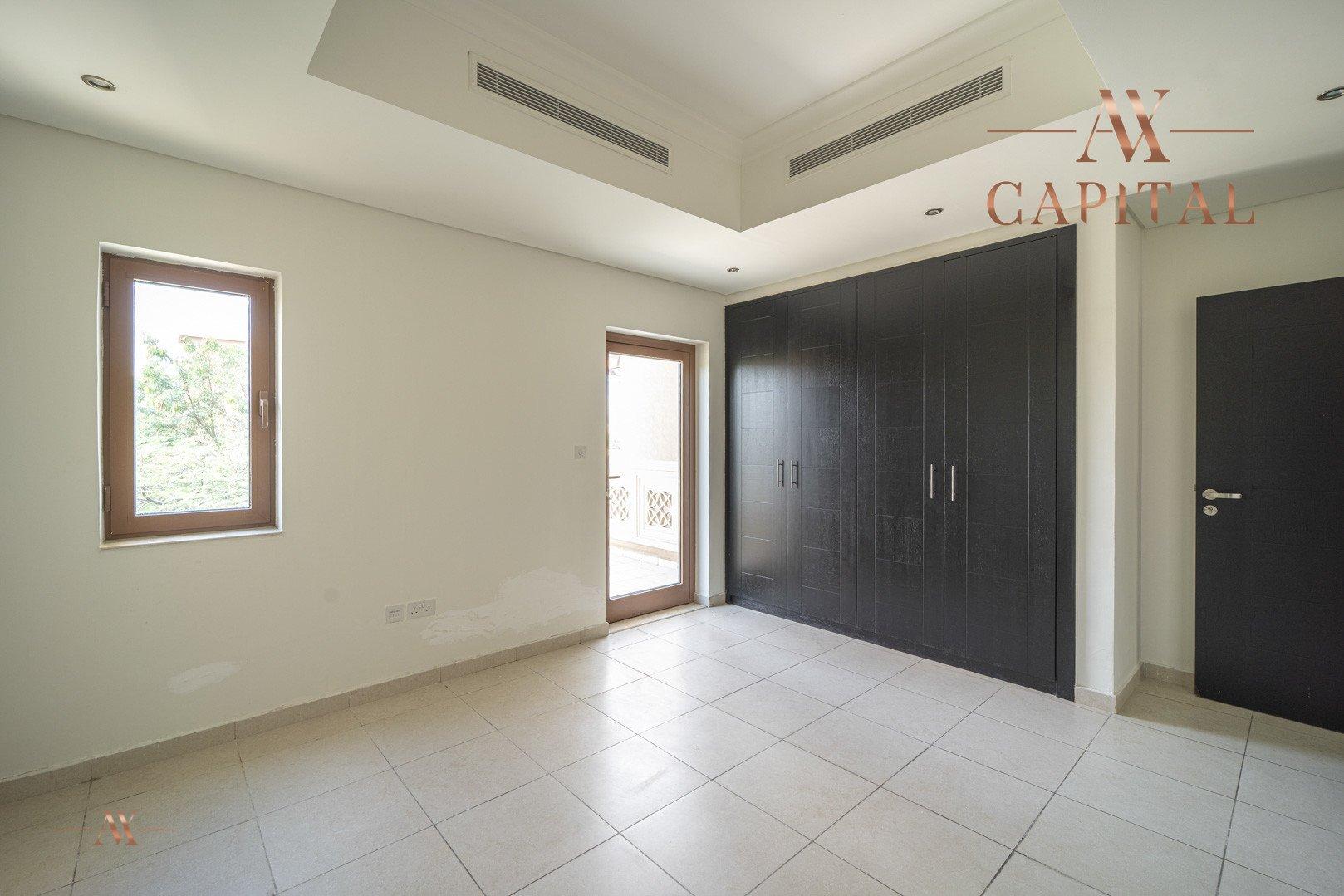 Villa for sale in Dubai, UAE, 5 bedrooms, 611.9 m2, No. 23654 – photo 12