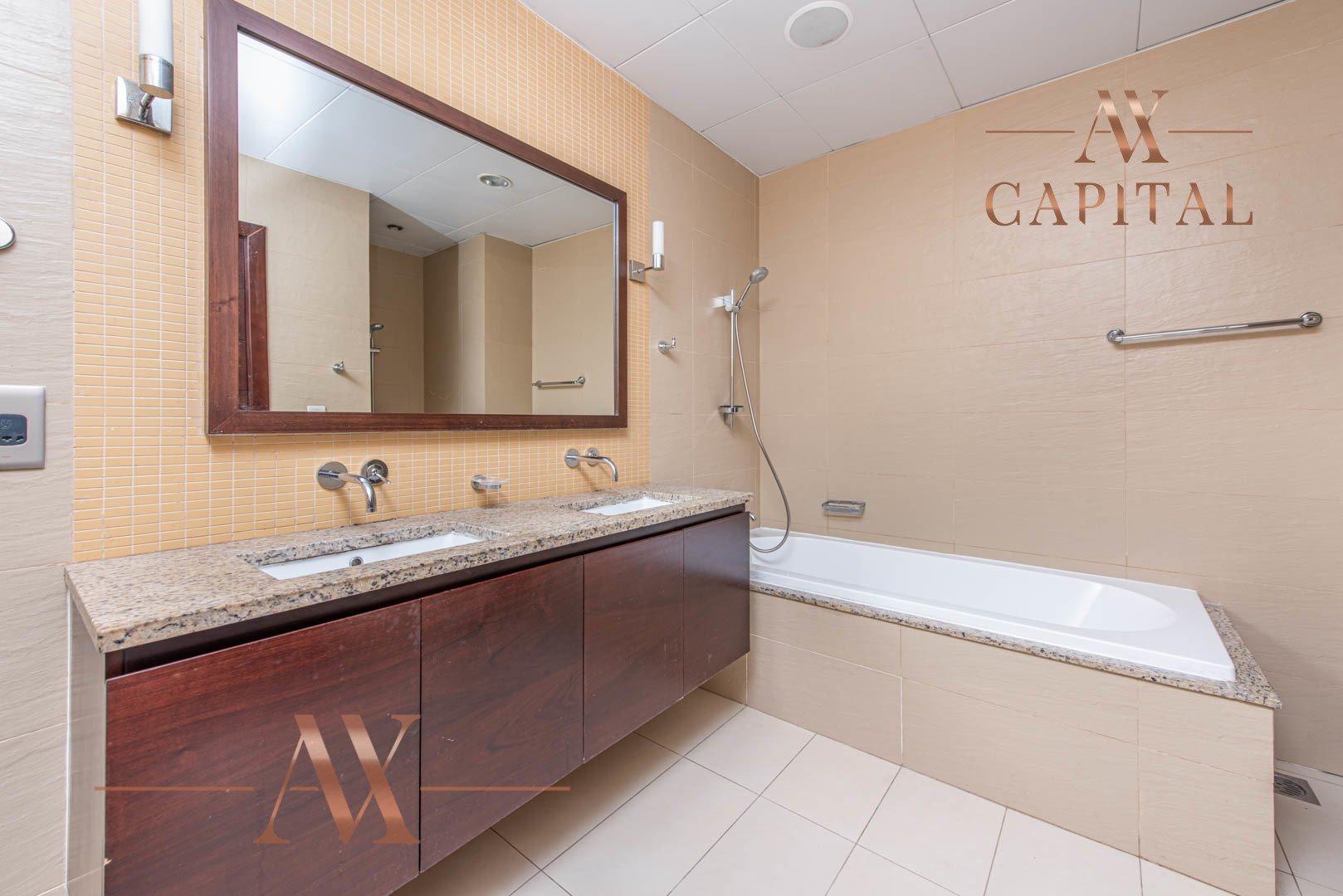 Apartment for sale in Dubai, UAE, 2 bedrooms, 155 m2, No. 23704 – photo 8