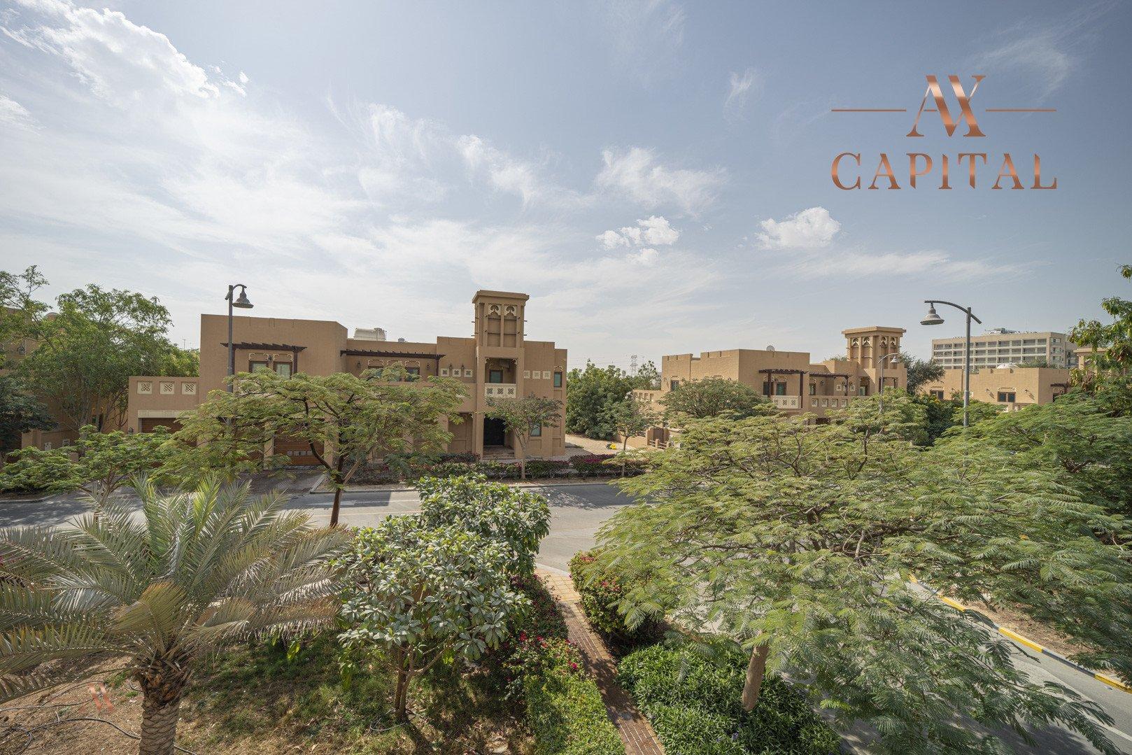 Villa for sale in Dubai, UAE, 5 bedrooms, 611.9 m2, No. 23654 – photo 4