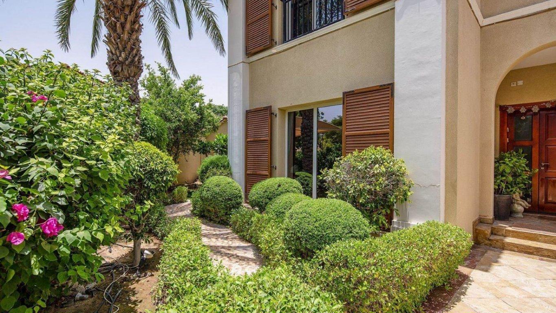 Villa for sale in Dubai, UAE, 4 bedrooms, 301 m2, No. 24041 – photo 4