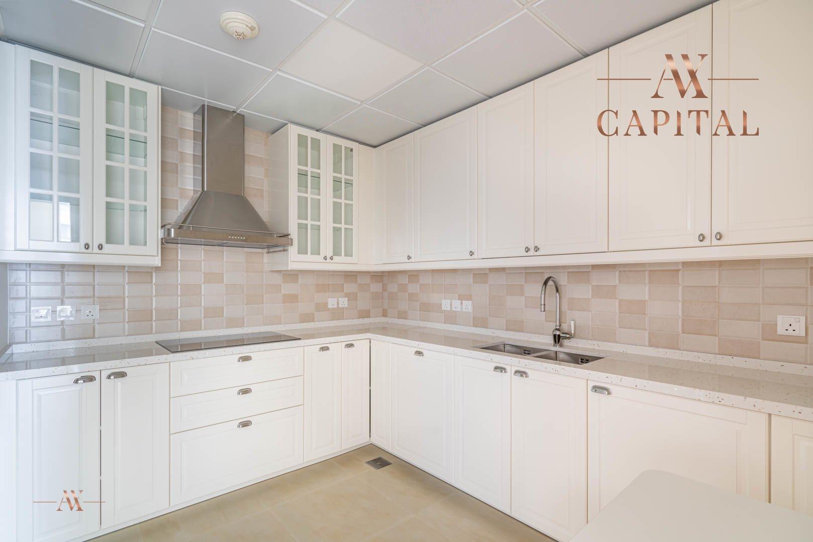 Apartment for sale in Dubai, UAE, 1 bedroom, 174.9 m2, No. 23593 – photo 4