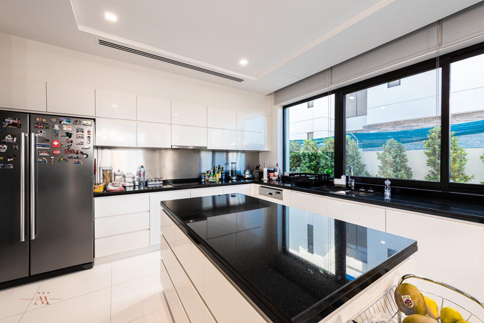 Villa for sale in Dubai, UAE, 6 bedrooms, 761.8 m2, No. 23503 – photo 17