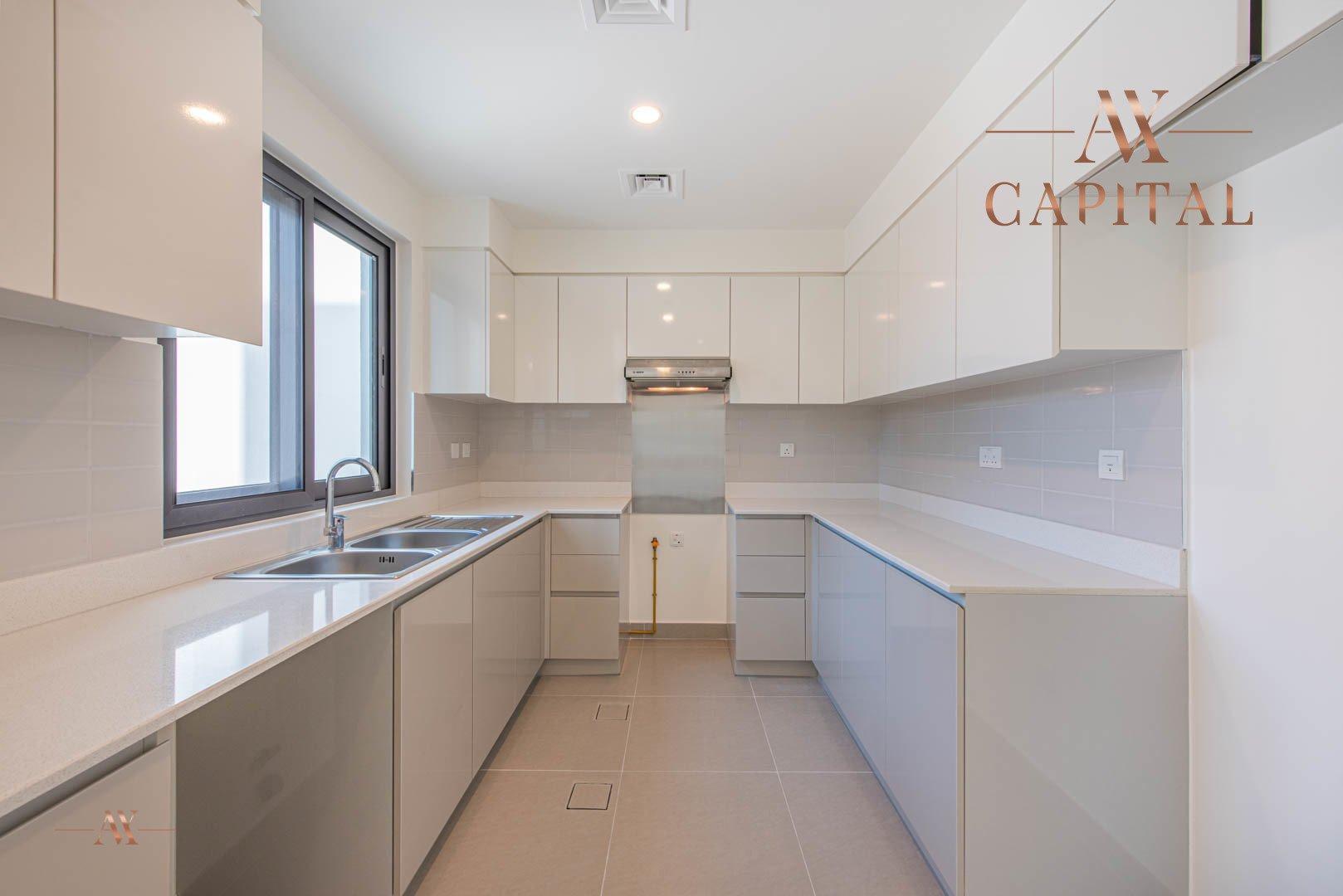 Villa for sale in Dubai, UAE, 3 bedrooms, 207 m2, No. 23555 – photo 8