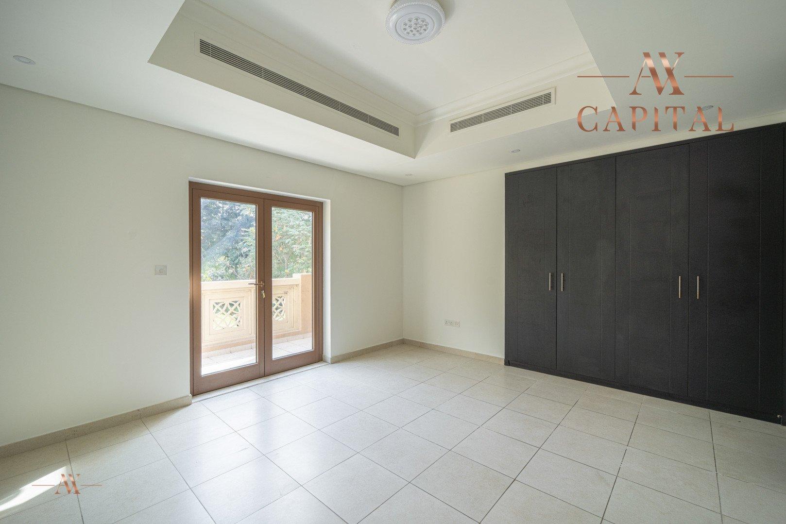 Villa for sale in Dubai, UAE, 5 bedrooms, 611.9 m2, No. 23654 – photo 18