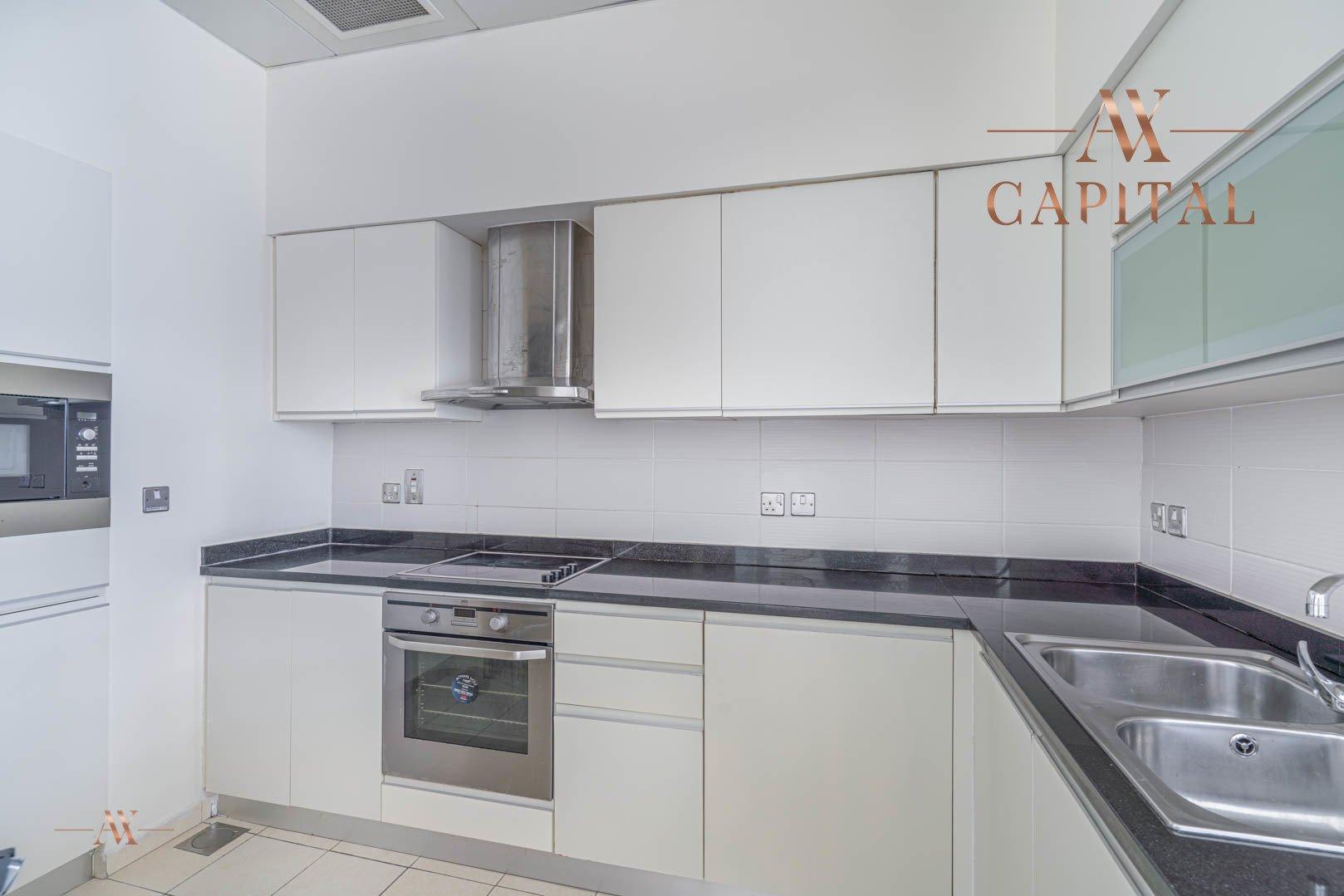 Apartment for sale in Dubai, UAE, 1 bedroom, 174.9 m2, No. 23593 – photo 5